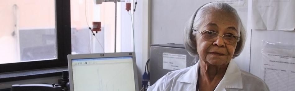 Mulheres na Ciência: Pesquisadora da Funed recebe homenagem no Dia da Mulher